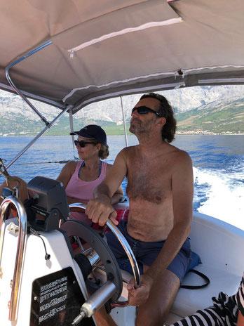 Herrliche Ausflüge mit dem Boot zu den Inseln Brac und Hvar