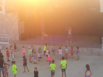 ...etwas das ich so noch nie gesehen habe: Kinder die freiwillig tanzen! (Meine nicht...)