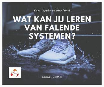 Witte schoenen in plas water - Wat kan jij leren van falende systemen?