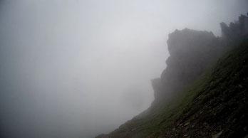Nebel Alpen E5 Felsen