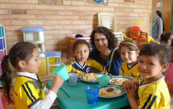 papst papstbesuch kolumbien frieden reise hilfswerk kinder