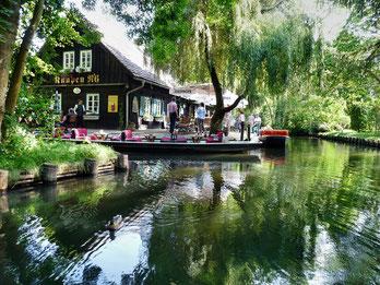 Häuser am Wasser im Spreewald