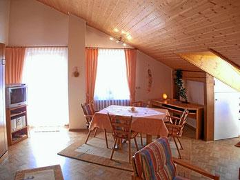 Ferienwohnung im Dachgeschoss, Gästehaus Claudia
