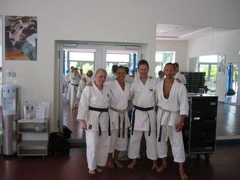 v. l.: Friederike Zeifang, Schahrzad Mansouri, Carsten Zeifang, Sigi Hartl auf Fuerteventura 2007