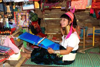 Besuchen Sie auf Ihrer Nordthailand-Rundreise Bergdörfer der Akha.