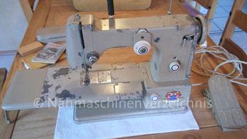 Pfaff 330, Freiarm-ZZ-Nähmaschine, Unterbaumotor, Hersteller: G. M. Pfaff AG, Kaiserslautern, Baujahr ca. 1950 (Bilder: B. Schlappa)