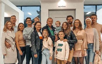 Team von design-haustür.de: Familie Voth