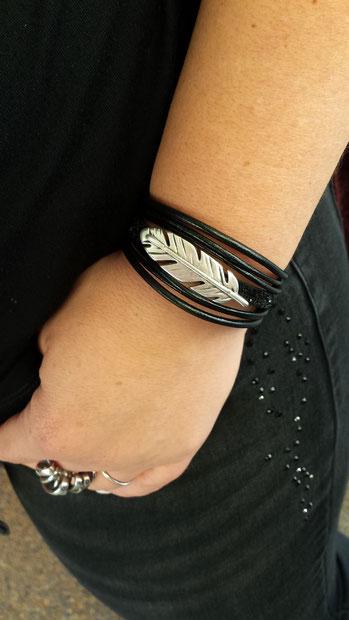 Plume- bracelet cuir femme, bracelet fait main, paillettes chic et rock
