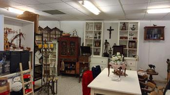 Ladenlokal Zeitreise - Antiquitäten & Friseur