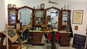antike Friseur-Ausstattung