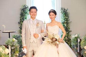 大阪、神戸、京都での結婚式持ち込みカメラマンは結婚式moviesへ 写真撮影、撮って出しエンドロール、記録ビデオ撮影が格安