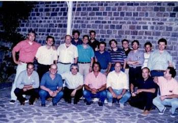 Gruppo dopo una serata in pizzeria era il 1998