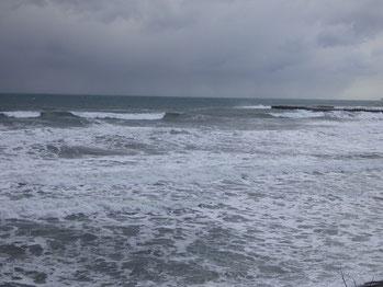 昨日からガッツリ冬型でした。終日風が強くクローズしてました。