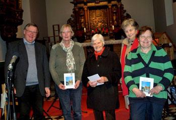 Pastor Manfred Kaiser mit den Jubilarinnen Sybille Pries, Eugenie Sawatzki, Marianne Lange und Helga Tank.