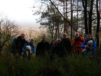 Gruppenbild mit Aussicht auf die Rheinebene