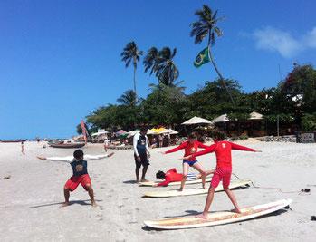 Aulas de surf em grupo