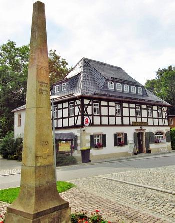 Die Burkhardtsdorfer Postsäule