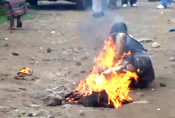 Bruciati vivi in Kenya per aver rubato patate