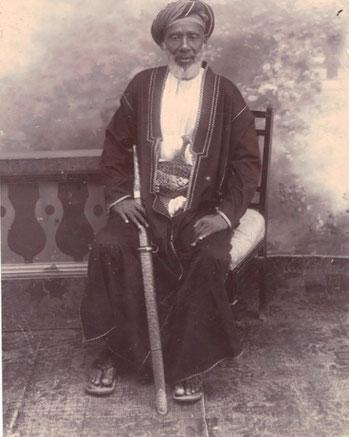 Tippu Tip, vero nome Hamed bin Mohammed bin Juma bin Rajab bin Mohammed bin Said el Murgebi (Zanzibar,1837 - Stone Town, 14 giugno 1905), mercante  swahili Tanzaniano di Zanzibar noto per le sue attività di razziatore e mercante di schiavi.