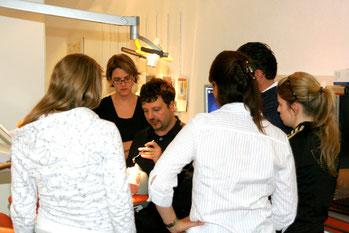 Praxiskurse Ergonomie Halte- und Absaugtechnik Ergonomie Beratung Zahnarzt