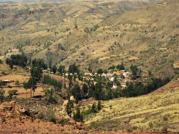Vila Vila (Décembre 2002) Le village de Vila Vila à 2912 m d'altitude se trouve à quelques kilomètres d'El Terrado.