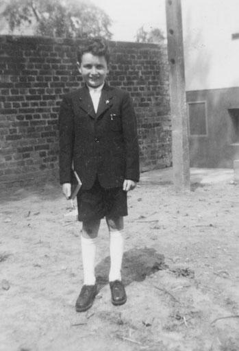 Henning 1953 - Rückseitige Kasernenmauer