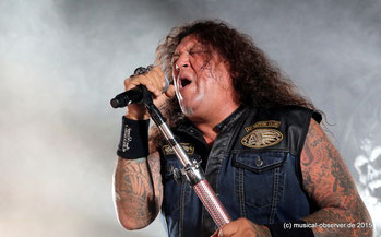 Chuck Billy in Höchstform.