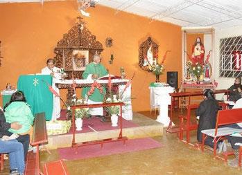 In der provisorischen Kirche