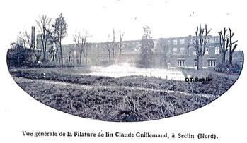 Vue de la filature Guillemaud après 1918 depuis le parc. Les ruines du château originel ont été déblayées