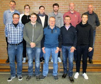 Bild Vorstand von hinten links : Jürgen Koppers, Anja Börger, Andrea Ening, Michael Bönning, Daniel Aplien, Reinhold Höing, von vorne links : Karsten Beuker, Alexander Böing, Bernhard Wies, Berthold Höing, Andreas Pätzold