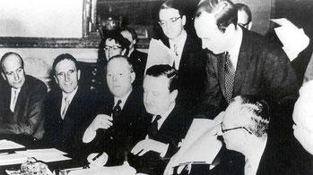 Firma del acuerdo de Londres sobre la déuda alemana en 1953.