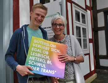 """Werben für die Aktion: Stefan Matthias Pape (""""ich bin - mensch"""") und Kirsten Zink (Bürgerstiftung)."""