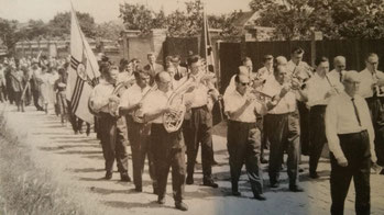 Ortsmusik um 1960, Foto: Archiv, 10 Jahres-Festschrift