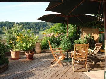 Unsere Terrasse mit einzigartigem Donaublick