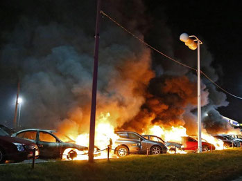 Flammen in Ferguson. Foto: Larry W. Smith