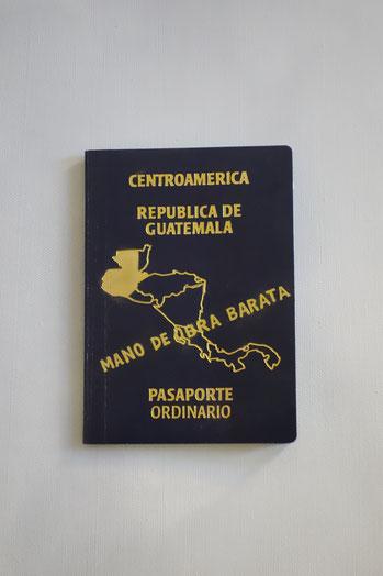 """Mano de Obra Barata, de la serie """"Migración"""", Objeto intervenido; Juannio 2017"""