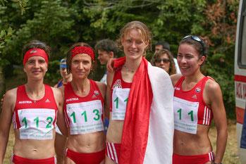 Das erfolgreiche ÖLV-Damenteam bei der Berglauf World Trophy 2006 in Bursa (TUR). Waltraud Laznik, Carina Lilge-Leutner, Siegerin Andrea Mayr und Marion Kapuscinski.