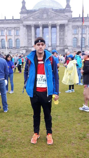 Marcus Holzbauer im Zielgelände des Berlin-Marathons (Foto zVg)