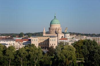 Blick auf Potsdams historischen Stadtkern mit Museum Barberini