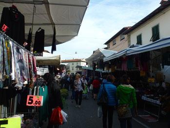 Bild: Wochenmarkt in Borgo San Lorenzo