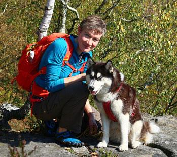 Carola Kromphardt mit Praxishund Nelly