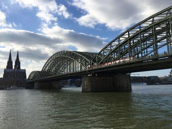 die letzten Minuten am Rhein und spazieren gehen