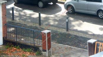 Zugeparkte Auffahrt