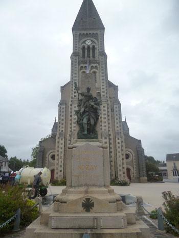 MONUMENT AUX MORTS DE NOZAY