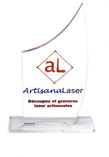 Découpe et gravures laser peintes sur verre acrylique (PMMA) 5 mm