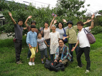 桃畑の記念撮影の写真