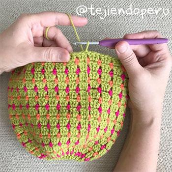 Gorros para cola de caballo o moño tejidos a crochet