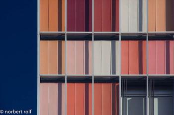 farbkomposition fassade der gsw-hauptverwaltung in berlin von Sauerbruch Hutton Architekten