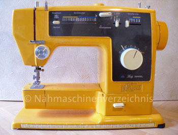 Sanwa Lady 2000SL, Typ SZA-232F, Programmautomatik, 20 Programme, Freiarm-Koffer-Nähmaschine, mit Einbaumotor, Hersteller: Sanwa Sewing Machine Co. Ltd., Osaka, Japan, Vertrieb in Deutschland: Otto Versandhandelsunternehmen Hamburg (Bilder: I. Naumann)