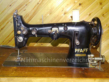 Pfaff 38-6-U, ZZ-Gewerbenähmaschine, Flachbett, CB-Greifer, Hersteller: G. M. Pfaff AG, Kaiserslautern, Baujahr 1936 (Bilder: B. Siemer)
